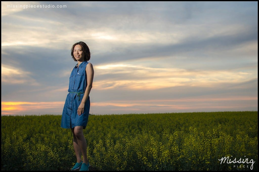 Edmonton photography portrait session canola field -002