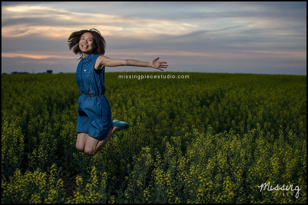 Edmonton photography portrait session canola field -004