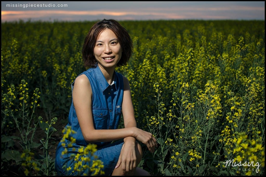Edmonton photography portrait session canola field -005