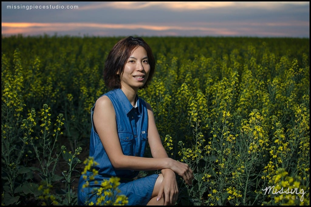 Edmonton photography portrait session canola field -006